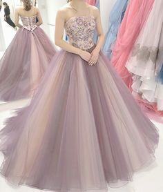 いいね!1,678件、コメント1件 ― プレ花嫁の結婚式準備アプリ♡ -ウェディングニュース-さん(@weddingnews_editor)のInstagramアカウント: 「* * #大人可愛い  #カラードレス は花嫁さんに大人気✨エレガントでオシャレな #お色直し に * * こちらのお写真はプレ花嫁 @e11160…」 Junior Prom Dresses, Ball Dresses, Ball Gowns, Lovely Dresses, Beautiful Gowns, Couture Dresses, Fashion Dresses, Colored Wedding Dress, Long Sleeve Evening Dresses
