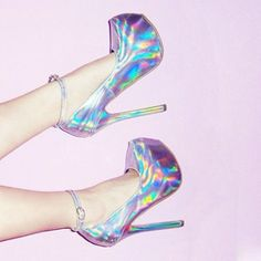 Check out these holographic fashion items: We got a selection of 12 cool items, including skater skirts, high heels shoes, boots, nail polish and more! Pretty Shoes, Cute Shoes, Me Too Shoes, Holographic Fashion, Holographic Heels, Shoe Boots, Shoes Heels, Holo Shoes, Prom Shoes