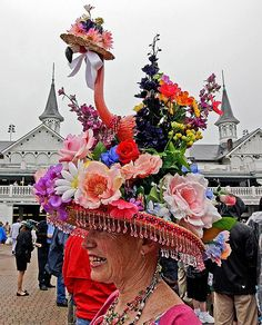 Kentucky Derby: 10 elegant/outsized/outrageous hats