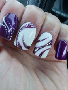 20 winter nail color trends and design ideas for 2019 – TheTrendSpotter … Purple Nail Art, Purple Nail Designs, Pretty Nail Art, Beautiful Nail Art, Fingernail Designs, Nail Polish Designs, Acrylic Nail Designs, Creative Nail Designs, Cute Nail Designs