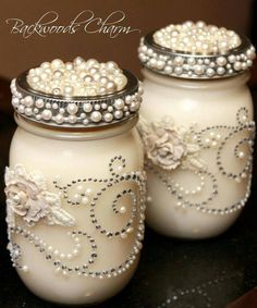 Mason Jar Centerpieces With Candles Embellish Mason jar with pearls, rhinestone, flowers and use as vases on the table. A smaller jar can be used for votives Mason Jar Projects, Mason Jar Crafts, Bottle Crafts, Diy Projects, Diy Bottle, Pot Mason Diy, Mason Jar Centerpieces, Mason Jar Candles, Soy Candle