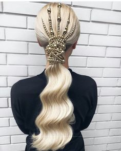 The cutest hair accessories ever! Ponytail Hairstyles, Pretty Hairstyles, Wedding Hairstyles, Perfect Hairstyle, Hair Ponytail, Hairstyle Ideas, Natural Hair Styles, Long Hair Styles, Creative Hairstyles