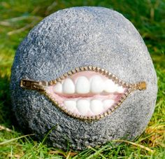 Laughing stone garden Ornament£8.99,