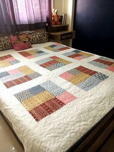 Queen size quilt Handmade Quilt patchwork quilt Quilt on Patchwork Quilt Patterns, Crazy Patchwork, Patchwork Fabric, Patchwork Designs, Patchwork Ideas, Scrap Fabric, New Baby Crafts, Crochet Baby Boy Hat, Big Block Quilts