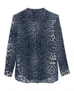 Parfaite pour la demi-saison, on craque pour cette chemise 100% soie à l'imprimé léopard bleu, chic et originale, à shopper chez The Kooples à 170€