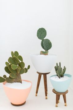 DIY mid century planters | sugar & cloth barefootstyling.com