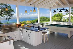 awesome outdoor kitchen!  http://www.caribbeanvilla.com