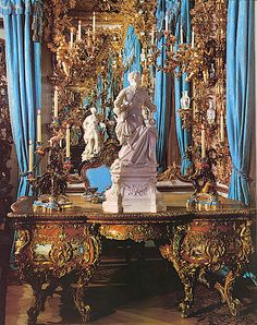 Mirror room with writing table and statue of Louis XV, Linderhof Palace, Germany