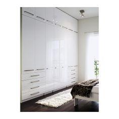 GUEST Idea:ikea pax wardrobes (oh, that i had room for this) Bedroom Built Ins, Master Bedroom Closet, Bedroom Storage, Home Bedroom, Ikea Bedroom Wardrobes, Basement Storage, Bedrooms, Ikea Pax Wardrobe, Ikea Closet