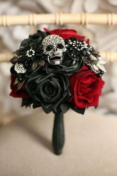 Black Red Wedding, Alternative Bouquet, Alternative Wedding, Skull Wedding, Girl Baby Shower Decorations, Wedding Decorations, Bride Bouquets, Bridal Flowers, Handmade Flowers
