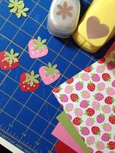 Sudden Scrapbook Embellecedores – Do it Yourself Paper Punch Art, Punch Art Cards, Paper Art, Scrapbook Paper Crafts, Scrapbook Cards, Scrapbooking Layouts, Art Carte, Craft Punches, Card Making Techniques
