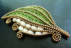 Войлочные украшения от Odile Gova / брошь из войлока-губки