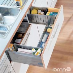 62 DIY Tiny House Storage and Organization Ideas On A Budget – Vanchitecture Kitchen Sink Caddy, Diy Kitchen Storage, Kitchen Cabinet Organization, Diy Storage, Smart Storage, Kitchen Drawers, Storage Ideas, Kitchen Sinks, Smart Kitchen