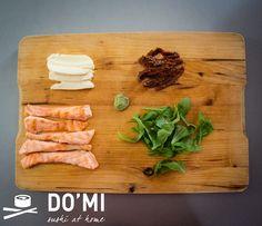 Kuchnia włoska to jedna z moich ulubionych. Makarony mogłabym jeść równie często jak sushi co na pewno okazałoby się zgubne dla mojej wagi :) Dziś mam dla Was propozycję prosto ze słonecznej Italii…