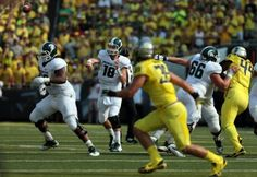 September 12, 2015 - Michigan State v. Oregon.  Go Ducks! Oregon Ducks Football, Ohio State Football, Ohio State University, Ohio State Buckeyes, American Football, College Football, Notre Dame Football, Florida State Seminoles, Tennessee Volunteers