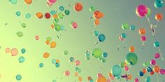 A swath of creative memorial service ideas to help you personalize a funeral or life celebration. Traditional, off-the-wall, and budget friendly ideas. Balloon Release, Wallpapers Tumblr, Bubble Balloons, Bubbles, Happy Balloons, Floating Balloons, Rainbow Balloons, Love Balloon, Balloon Party