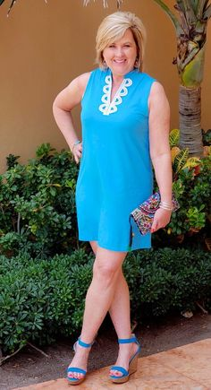 50 is not old face framing details fashion over 40 turquoise vacation easy Fashion Outfits, Womens Fashion, Fashion Tips, Fashion Trends, Fashion Ideas, Model Shooting, Plus Zise, Business Casual Outfits For Women, Fashion Details