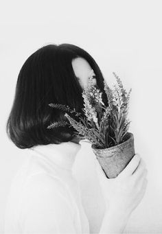 Hide your face but not your hair Cabelo Inspo, Blue Sargent, Girl Short Hair, Ravenclaw, Ulzzang Girl, Look Fashion, Bob Hairstyles, Pretty People, Her Hair