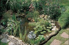 Voorgevormde vijvers zijn makkelijk in je tuin te plaatsen. Ga aan de slag met je eigen voorgevormde vijver van Hubo.