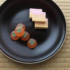 209 個讚,1 則留言 - Instagram 上的 向島みどり(@midori.muko):「 #茶道教室 #干菓子 #札幌 #千秋庵 #名残り #柿 . #茶道 #茶の湯 #季節と暮らし #抹茶 . #matcha #matchatime #sweets #japanesesweets… 」