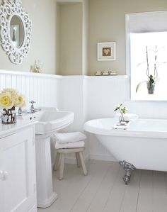 Neutral Country Bathroom with Roll Top Bath Treat yourself Dress up your… Bad Inspiration, Bathroom Inspiration, Cottage Shabby Chic, Roll Top Bath, Neutral Bathroom, Parisian Bathroom, Downstairs Toilet, Victorian Bathroom, Upstairs Bathrooms