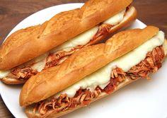 Lassan sült paradicsomos csirke szendvics | Bérczi Róbert receptje - Cookpad receptek Meat Recipes, Cake Recipes, Hot Dog Buns, Food And Drink, Bread, Beef Recipes, Steak Recipes, Breads, Sandwich Loaf