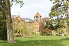 Proud to go to Saint Anselm College. If only the campus was ranked one of the most beautiful in the country... oh wait.