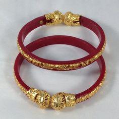 bridal jewelry for the radiant bride Gold Bangles Design, Gold Jewellery Design, Gold Bangle Bracelet, Silver Bracelets, Rajputi Jewellery, Italian Gold Jewelry, Royal Jewelry, Indian Jewelry, Schmuck Design