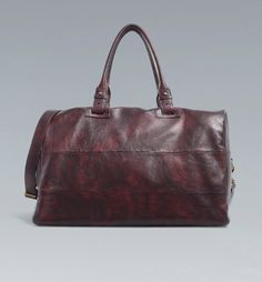 Os presentamos hoy un bolso para hombre de Zara realizado 100% en piel de vacuno