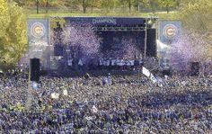 カブスの優勝パレードには主催者発表で約500万人のファンが集まった(AP)