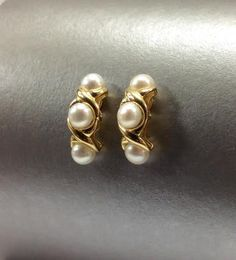 Pearl earrings #williamsjewellerstoronto