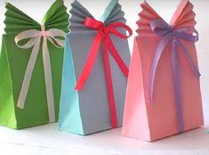 Раньше я всегда заворачивал подарки в магазине или же покупал специальные пакеты для них. Но однажды всё изменилось — друг показал мне, как сделать это чудо.     Чтобы создать оригинальную упаковку,…