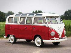 Deze Volkswagen Deluxe Micro Bus uit 1965 zal menig liefhebber van VW doen watertanden.