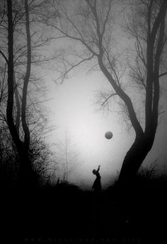 Love the black on the white/fog. The ball adds a childlike eerie feel Black White Photos, Black And White Photography, White Pic, Surrealism Photography, Art Photography, Magical Photography, B&w Tumblr, Mystique, Foto Art