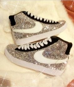 premium selection 9f283 604e1 glitterized nike shoes  DD My sis would totally rock these  D  www.cheapshoeshub nike free run shoes