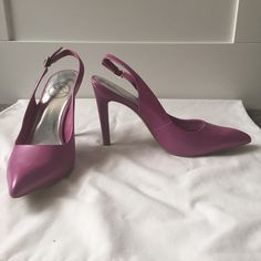 3x HP NWOT Pink JS by Jessica Slingback Pump Pink JS by Jessica Namia slingback pumps with adjustable heel strap, pointed toes, and approximately 4 inch heel. Small ding in heel as shown in 3rd photo JS by Jessica Shoes Heels