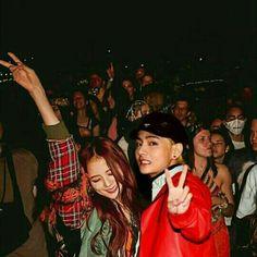 Ariana Grande Gif, Rp 1, Bts Vmin, Bts Girl, Kpop Couples, Korean Couple, Wattpad Stories, Blackpink And Bts, Ulzzang Couple