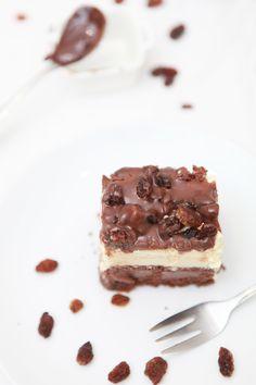 coffee sponge cake with pastry cream, raisins & chocOlate