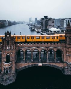 Berlin: The most beautiful pictures from the capital - - Berlin: The most beautiful pictures from the capital – - Berlin City, Berlin Wall, Berlin Berlin, Cities In Germany, Berlin Germany, Berlin Photography, Travel Photography, Tattoo Fe, Bahn Berlin