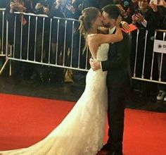 Lionel Messi and Anto Rocuzzo at their beautiful wedding Football Wags, God Of Football, Football Stuff, Antonella Messi, Messi And Wife, Lionel Messi Family, Antonella Roccuzzo, Argentina National Team, Soccer Motivation