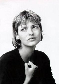 Linda Evangelista VERSACE Spring/Summer 1994 by Richard Avedon.