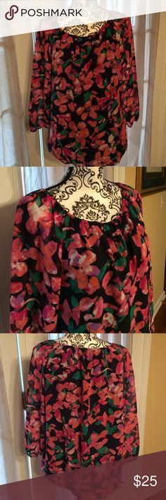 Ann Taylor med colorful blouse, with lining. Cute! Ann Taylor colorful Blouse, with lining. Medium. Excellent condition! Ann Taylor Tops Blouses