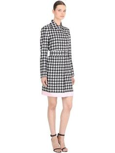 SILK HOUNDSTOOTH TRENCH COAT - Brought to you by Avarsha.com