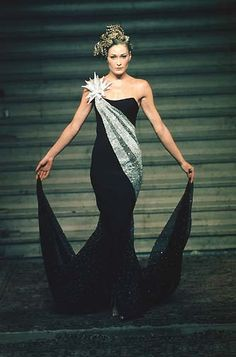 1997-98 - Mc Queen 4 Givenchy Couture show - Carla Bruni