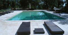 Cemento pulido en las zonas exteriores y piscinas - Jardines con Alma Pula, Ideas Para, Exterior, Porches, Outdoor Decor, Home Decor, Gardens, Pools, Houses