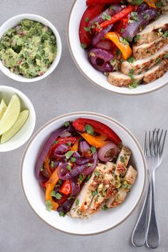 Get Your Tex-Mex Fix With This High-Protein Chicken Fajita Bowl