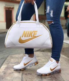 Nike's for Sale in Pineville, NC - OfferUp Souliers Nike, Puma Shoes Women, Nike Bags, Cute Sneakers, Shoes Sneakers, Sneakers Fashion Outfits, Nike Air Shoes, Hype Shoes, Fresh Shoes