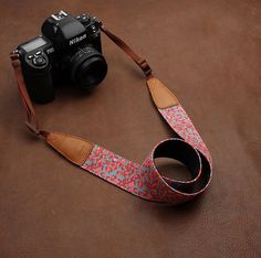 Cowboy Strawberry Flower Nikon /Cannon /Sony Handmade Leather Camera Strap Brown 7121