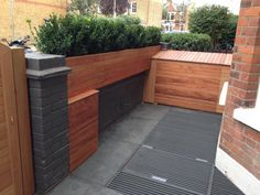 Green Slate Paving has been used by Shoots and Leaves in this stylish and modern front garden. Slate Paving, Paving Stones, Paving Design, Traditional Design, Outdoor Furniture, Outdoor Decor, Contemporary, Modern, Green Colors