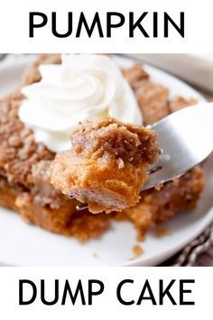 Mexican Dessert Recipes Discover PUMPKIN PIE DUMP CAKE Pumpkin Pie Dump Cake gets its name by dumping the ingredients into the baking dish. It is like a pumpkin pie and a spice cake all in one! Brownie Desserts, Just Desserts, Delicious Desserts, Chocolate Brownie Cake, Health Desserts, Yummy Treats, Yummy Food, Fall Recipes, Holiday Recipes